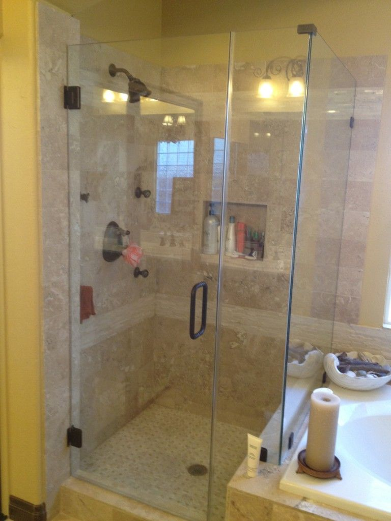 bathroom shower door ideas