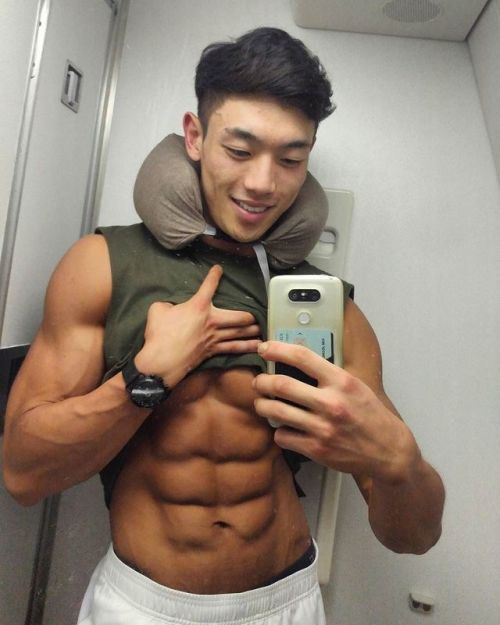 Muscley asian gay cums