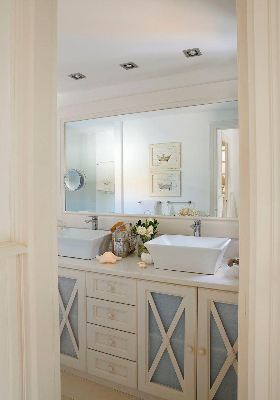 70 m2 en blanco ibicenco | Muebles de baño rusticos ...