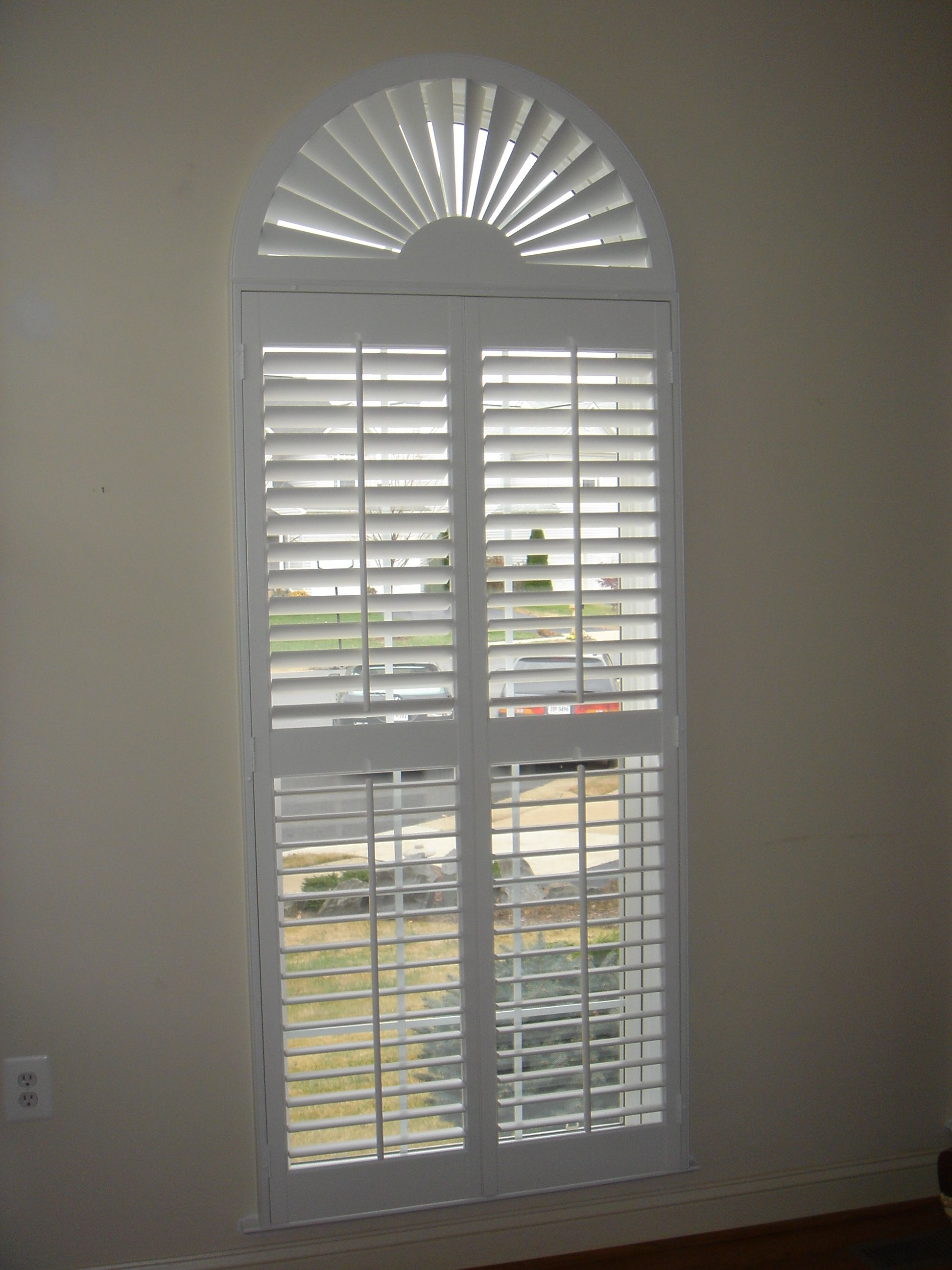 2 1 2 Interior Shutters With A Sunburst Shutters By The Louver