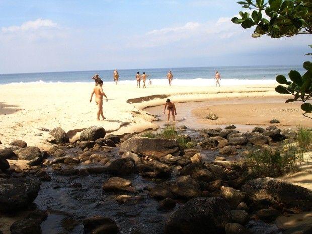 Naturistas já frequentam outras praias do Estado extraoficialmente (Foto: Renata Freire / Arquivo Pessoal)