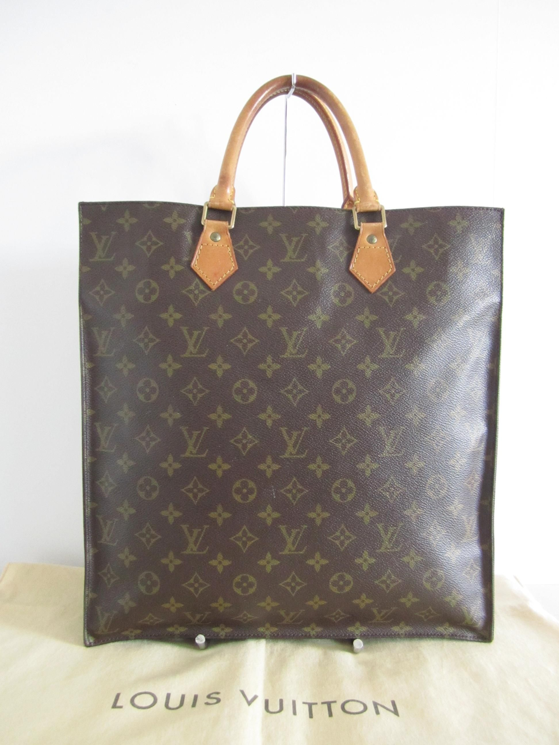 91d554fc201e Louis Vuitton Sac Plat Gm Monogram Tote Bag. Get one of the hottest styles  of the season! The Louis Vuitton Sac Plat Gm Monogram Tote Bag is a top 10  member ...