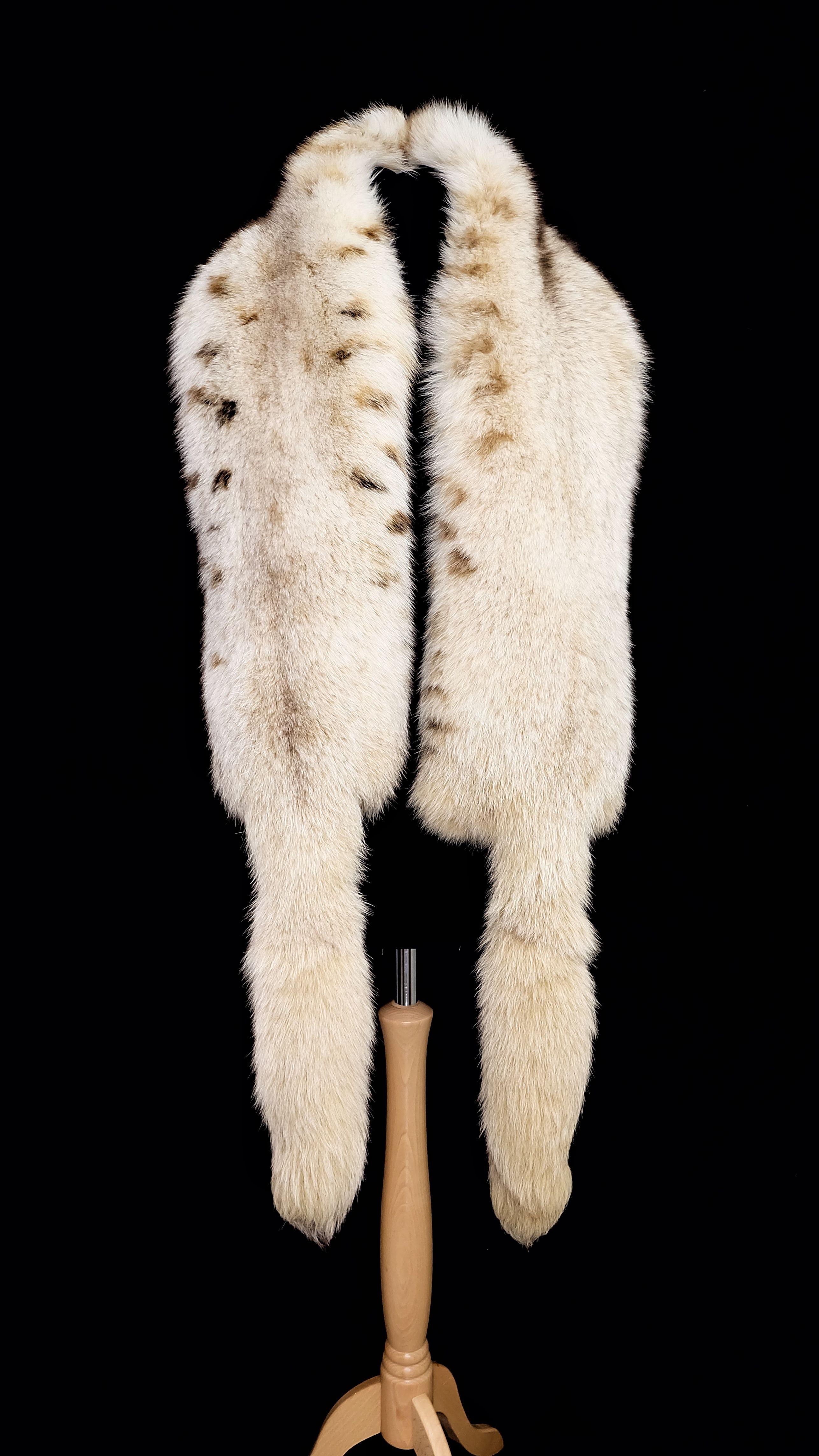24ea1b864 RESERVED: Vintage creamy white/ivory lynx dyed fox double full pelt ...
