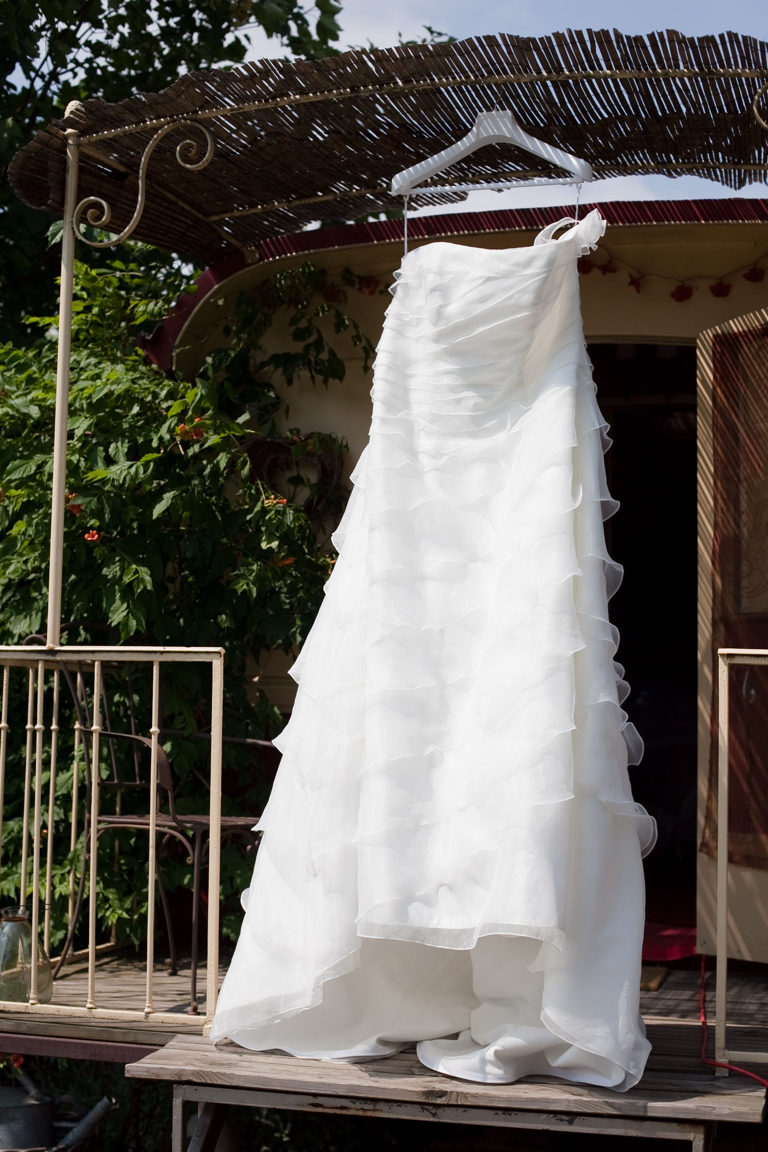 My wedding dress on a gipsy caravan | My Harry Potter inspired ...
