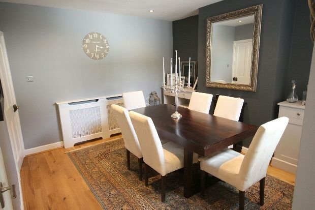 This Is A Small And Beautiful Dining Room In A Victorian Terraced