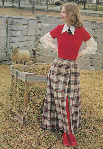Vintage 1970s Seventeen Magazine Editorial Scan Rural Rustic Country Girl Style Sheep And Farm In 2020 Seventeen Magazine Fashion 1970s Fashion 70s Women Fashion