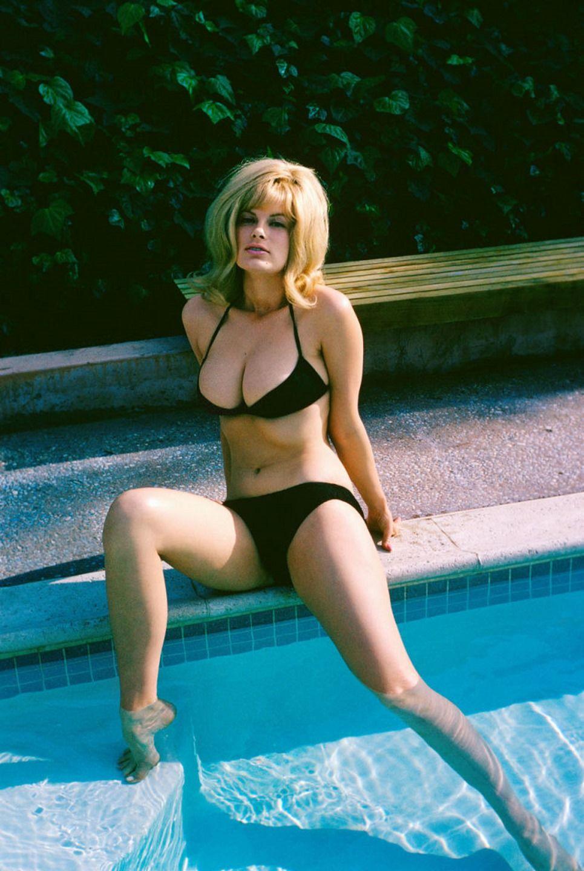 Reagan Wilson Nude Photos 27