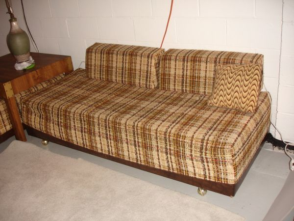 2 Vintage Twin Beds Sofa Calling The Brady Bunch