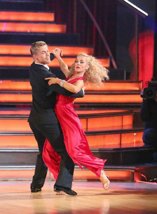 Derek Hough Kellie Pickler Quickstep Dancing With The Stars Season 16 Champs Week 6 Dancing With The Stars Quickstep Dance Kellie Pickler