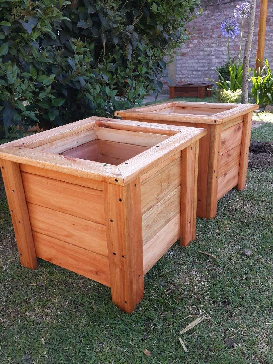 Maceta de madera de eucalipto med 40 40 40 excelentes for Sillones de madera reciclada