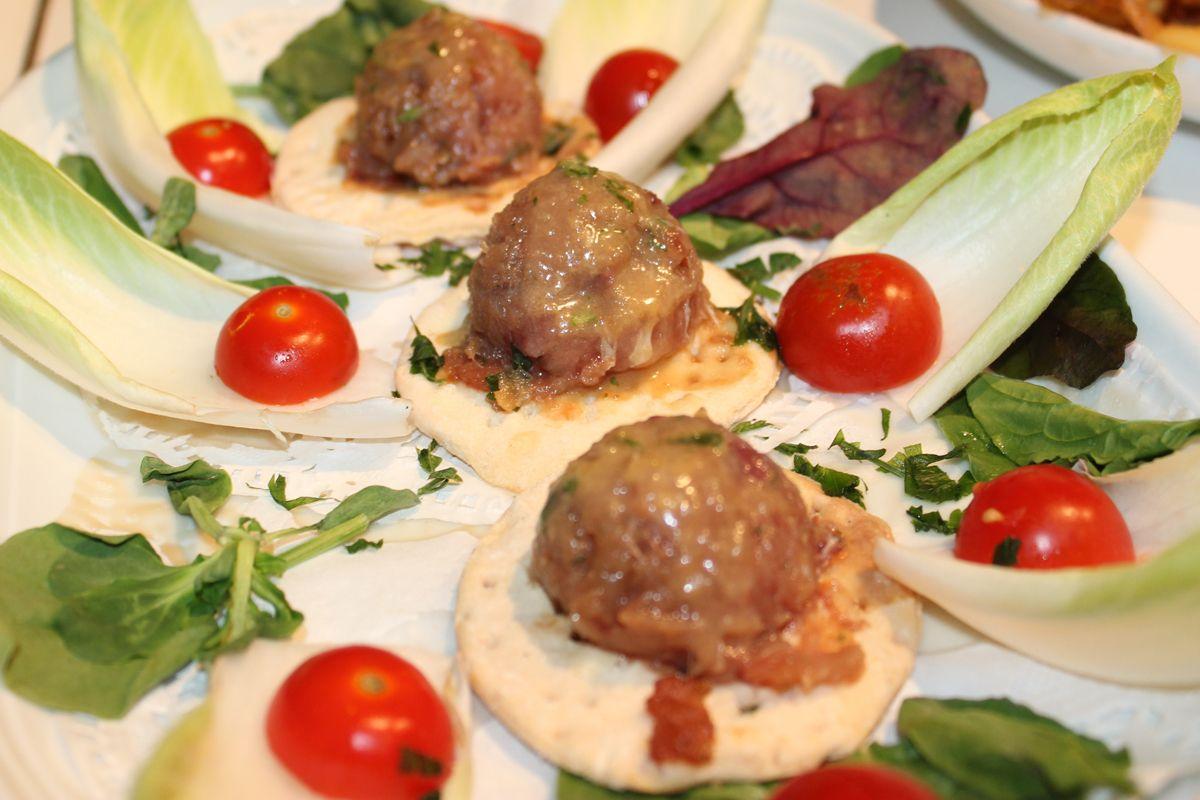Creación hecha durante La III Edición de la Feria de Tapas Valencia. mas información en http://www.comerenvalencia.es o en nuestra facebok http://www.facebook.com/comerenvalencia