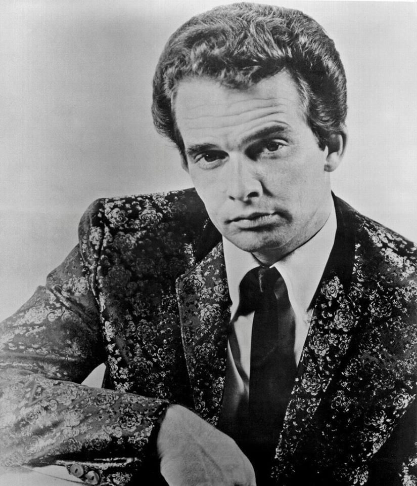 Pin by Shelley Smith on Fab photos in 2020 Merle haggard