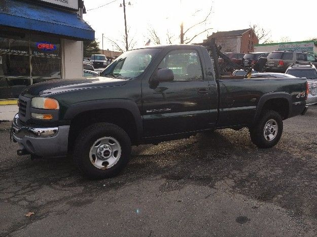 Check out this 2003 GMC Sierra 2500 HD. Guaranteed Credit Approval or the vehicle is free!!! Call us: (203) 730-9296 for an EZ Approval.$9,995.00.