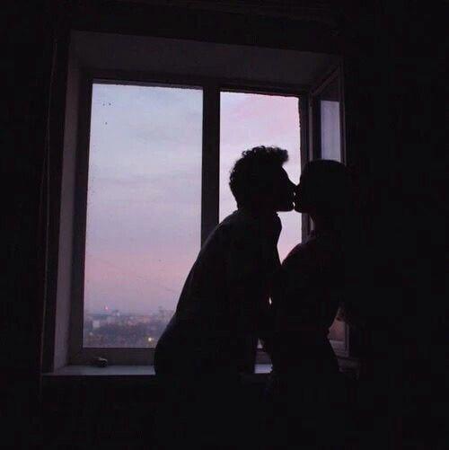 #love #aesthetic #sky #grunge #couple #boyfriend #dark #kiss #goals https://weheartit.com/entry ...