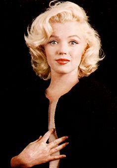 Marilyn Monroe Photographed By Milton H Greene 1953 Marilyn Monroe Hair Marilyn Monroe Photos Marilyn