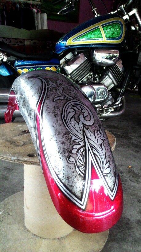 Metalflake Airbrush Kandykaler Custompaint Custom Motorcycle Paint Jobs Motorcycle Paint Jobs Motorcycle Tank