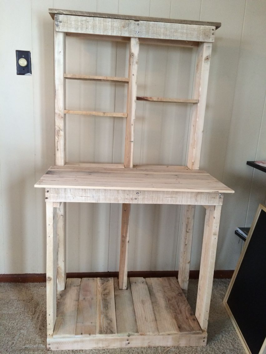 Unfinished Bakers Rack Made With Pallets With Images Pallet