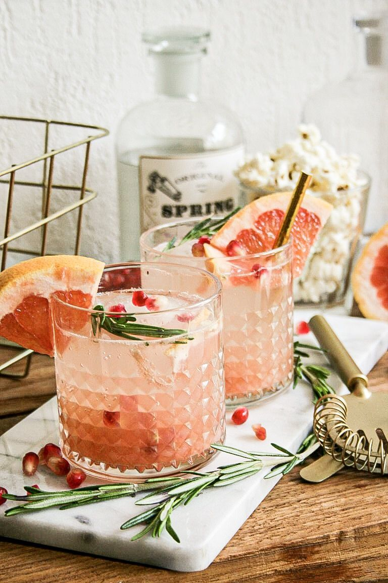 Grapefruit Pomegranate Spritzer In 2020 Summer Drinks Easy Party Drinks Citrus Cocktails