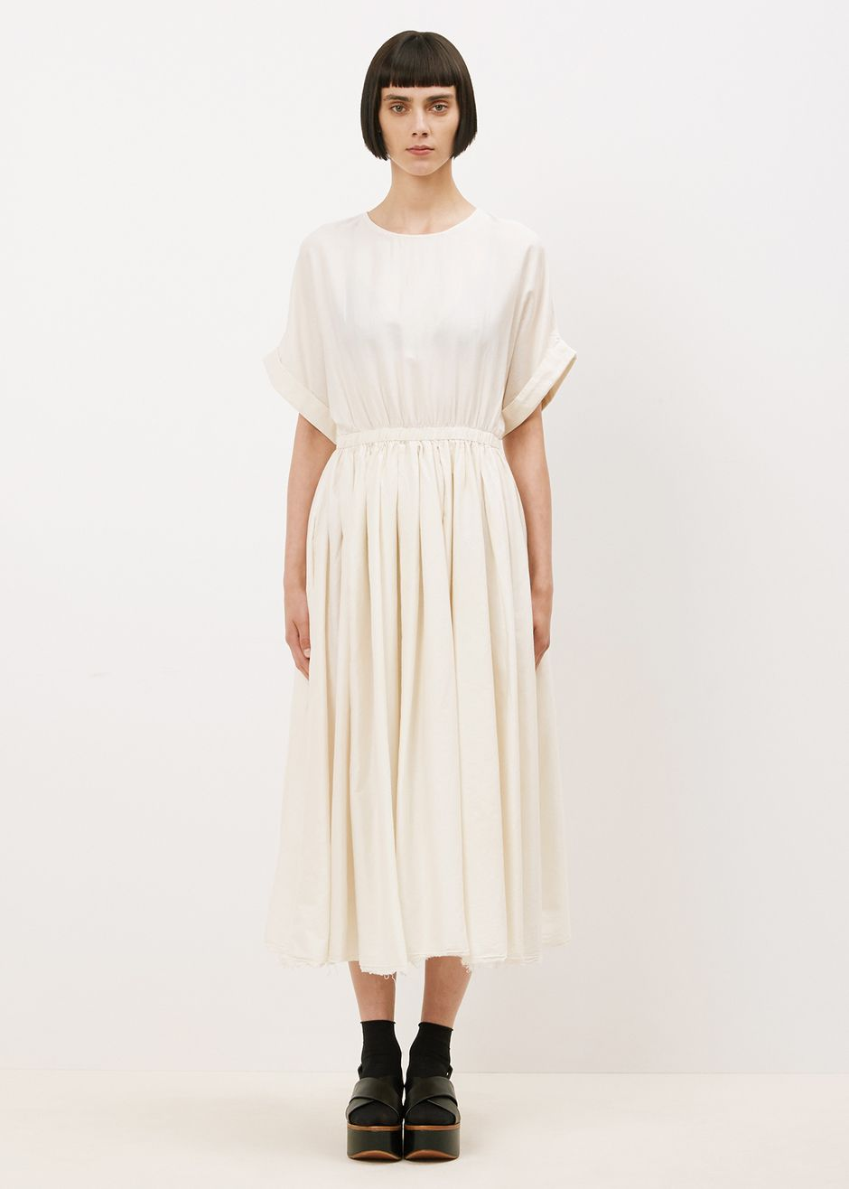 Black crane pleated dress cream what to wear pinterest black