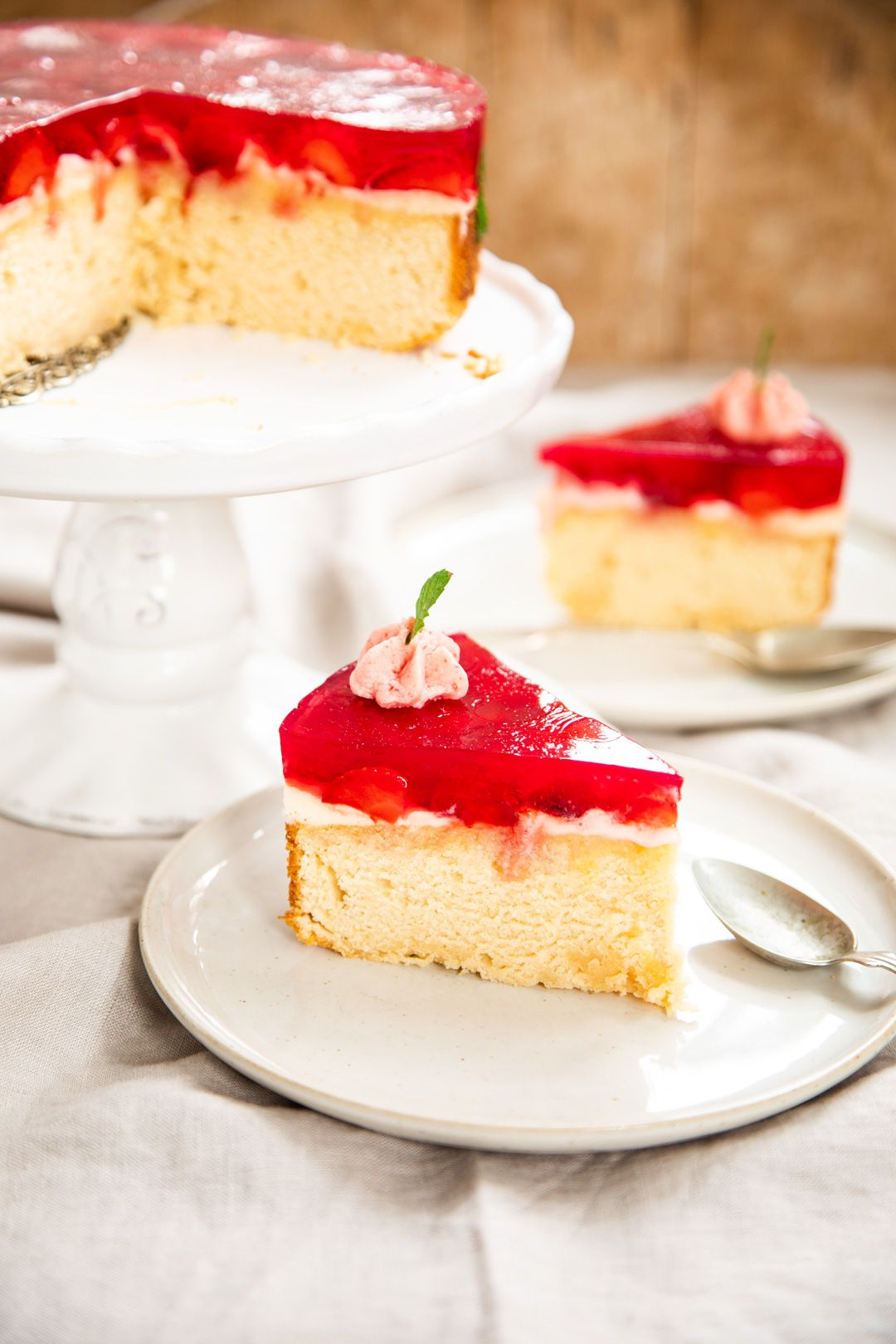 Erdbeer Torte Mit Schneller Buttercreme Und Ricotta Boden Rezept Kuchen Und Torten Rezepte Erdbeer Torte Lebensmittel Essen