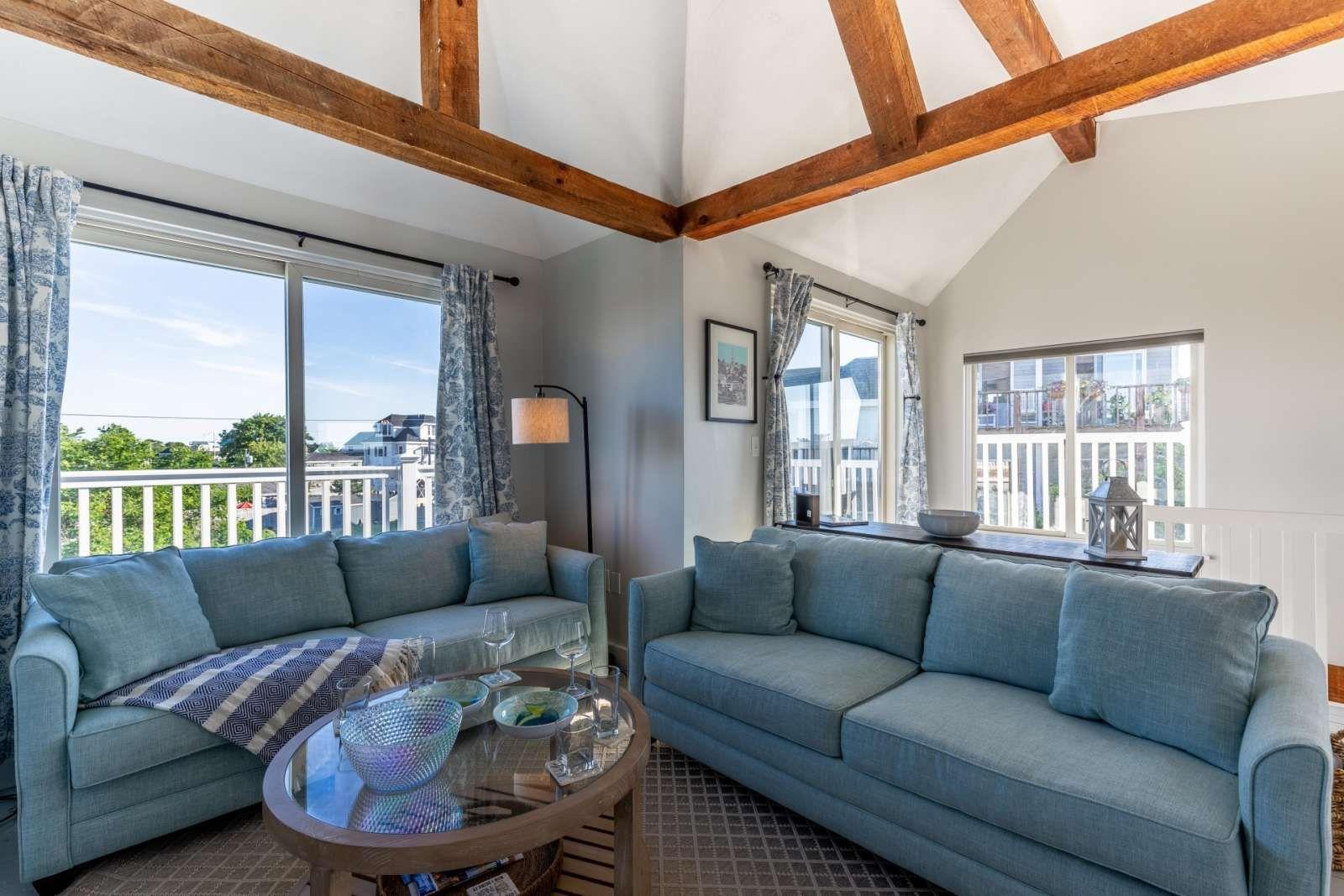 Newburyport Vacation Rental New 20 Steps To Beach Access Family Friendly Grill Peek A Boo Water Views Sea Lo Beach House Condos Condo Rental House Rental