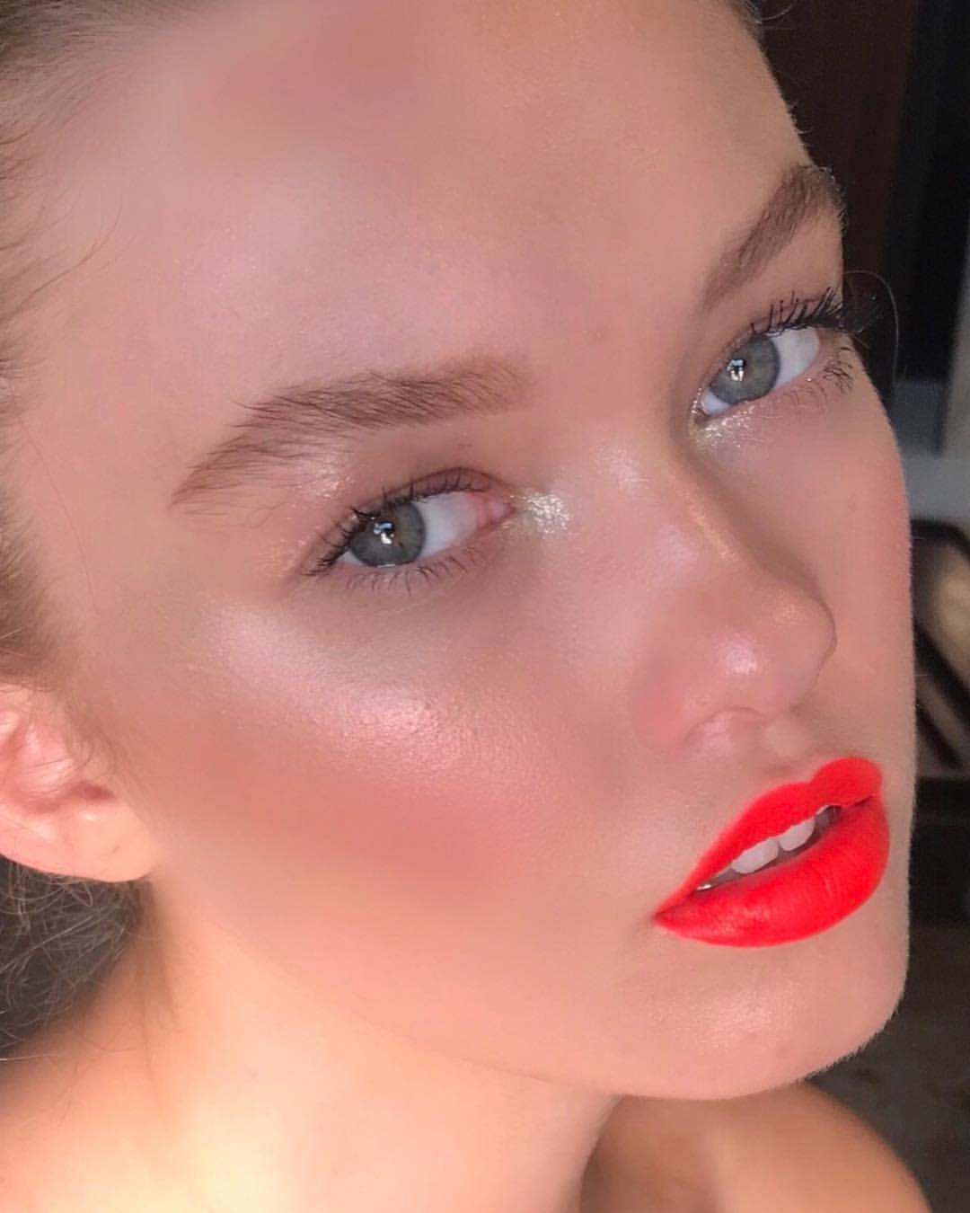 Nam Vo Glow On Instagram Neon Lips Dewydumplings