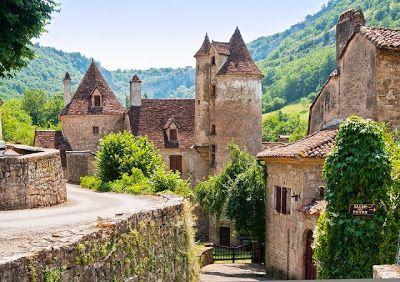 En Europa hay muchos pueblos que por la originalidad de su arquitectura y por la increíblemente hermosa naturaleza que los rodea, son una auténtica delicia, incluso para los viajeros más experiment...