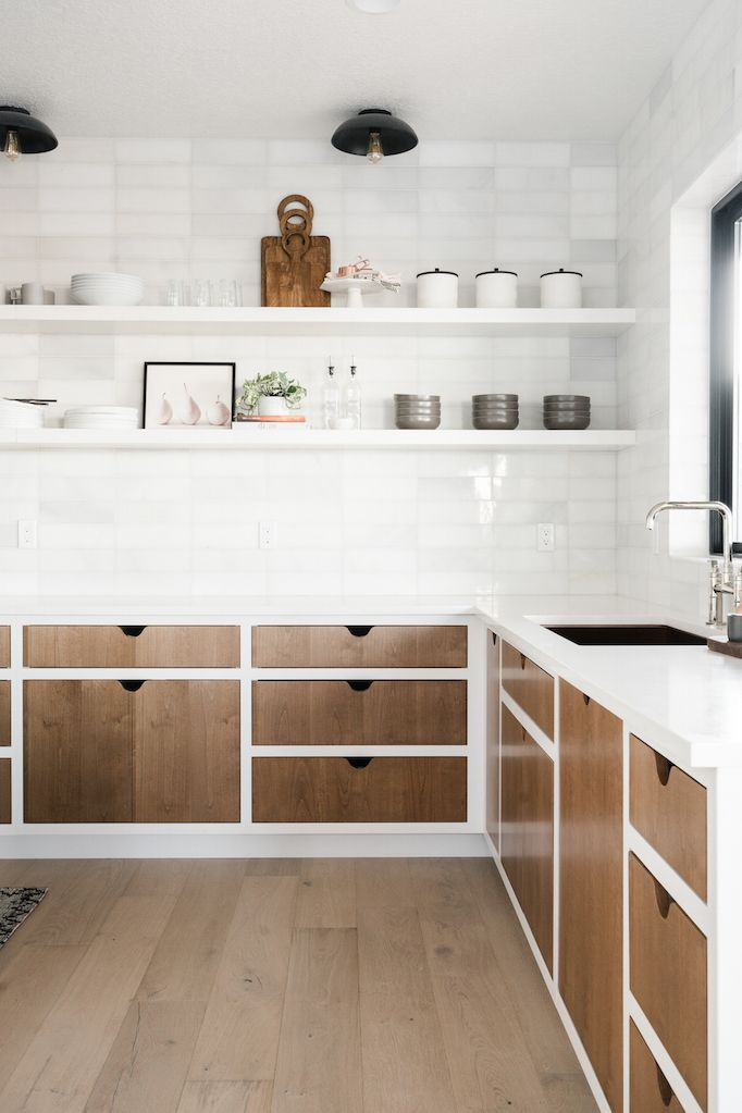 Best 2018 Trend Update Two Toned Kitchens Kitchen Trends 640 x 480
