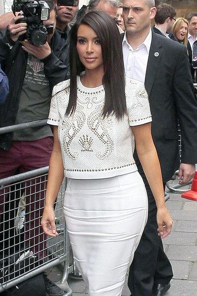 Kim Kardashian Long Side Part In 2019 Black Hair Hair Styles