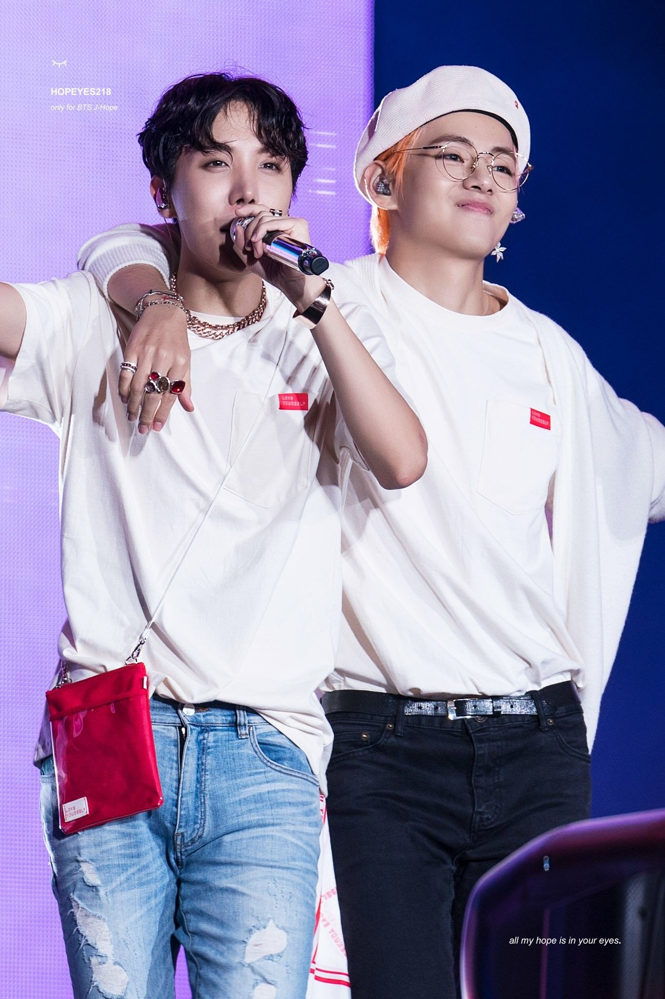 JHOPE & V ♥️ // Love Yourself Tour 2018 | bts new 2018 in 2019
