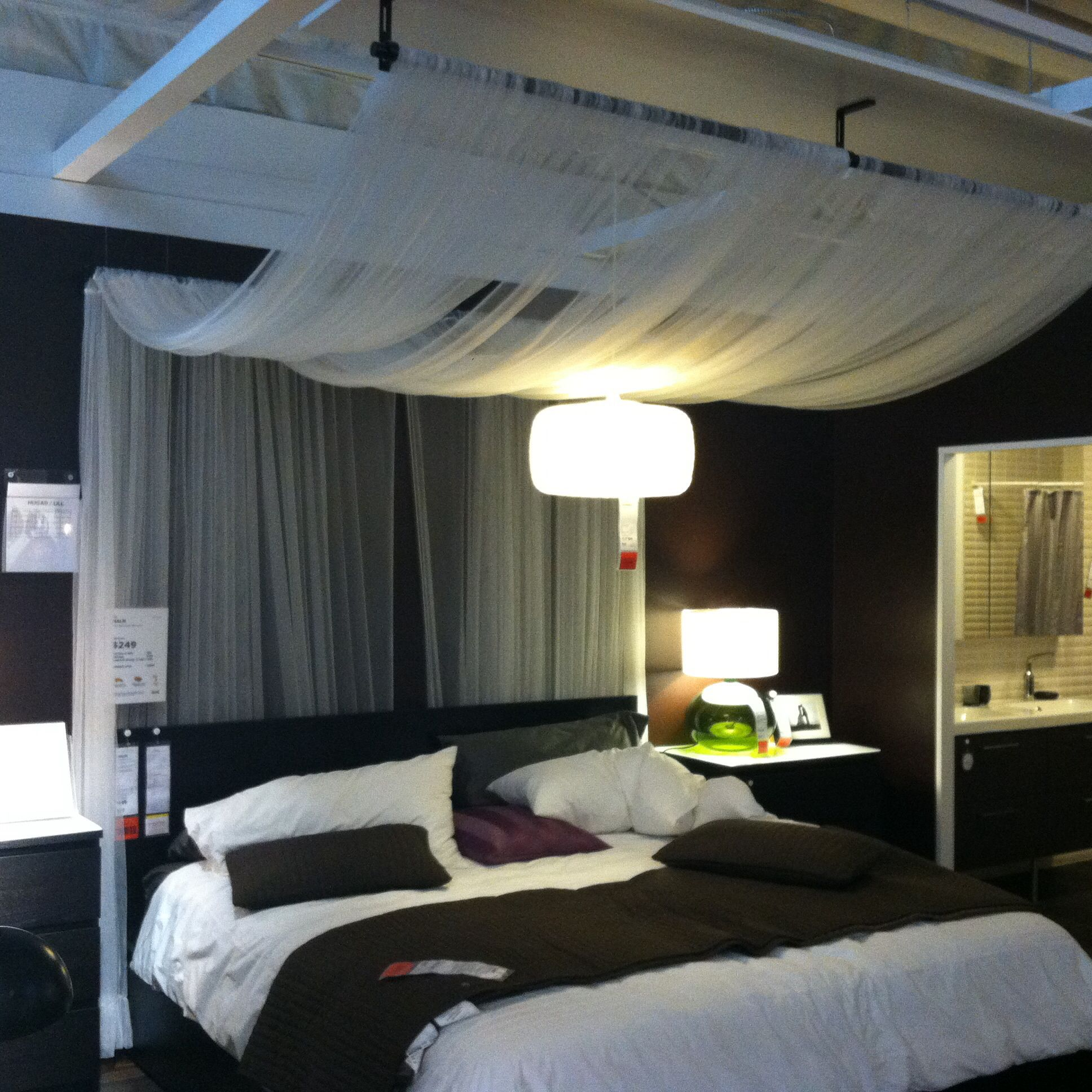 Glamour Bedroom Loving The Canopy