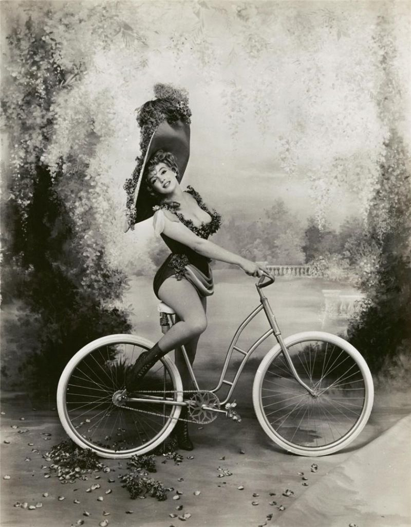 Marilyn Monroe As Lillian Russell Photographed By Richard Avedon
