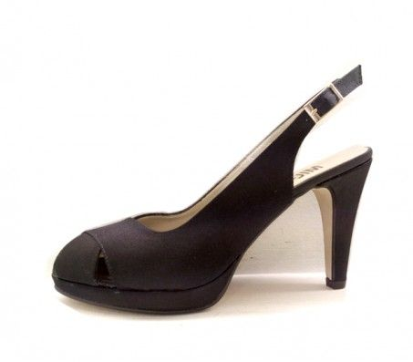 738dde3da15 Sandalias Pomares Vazquez tiras curzadas en raso negro  zapatosmilpies