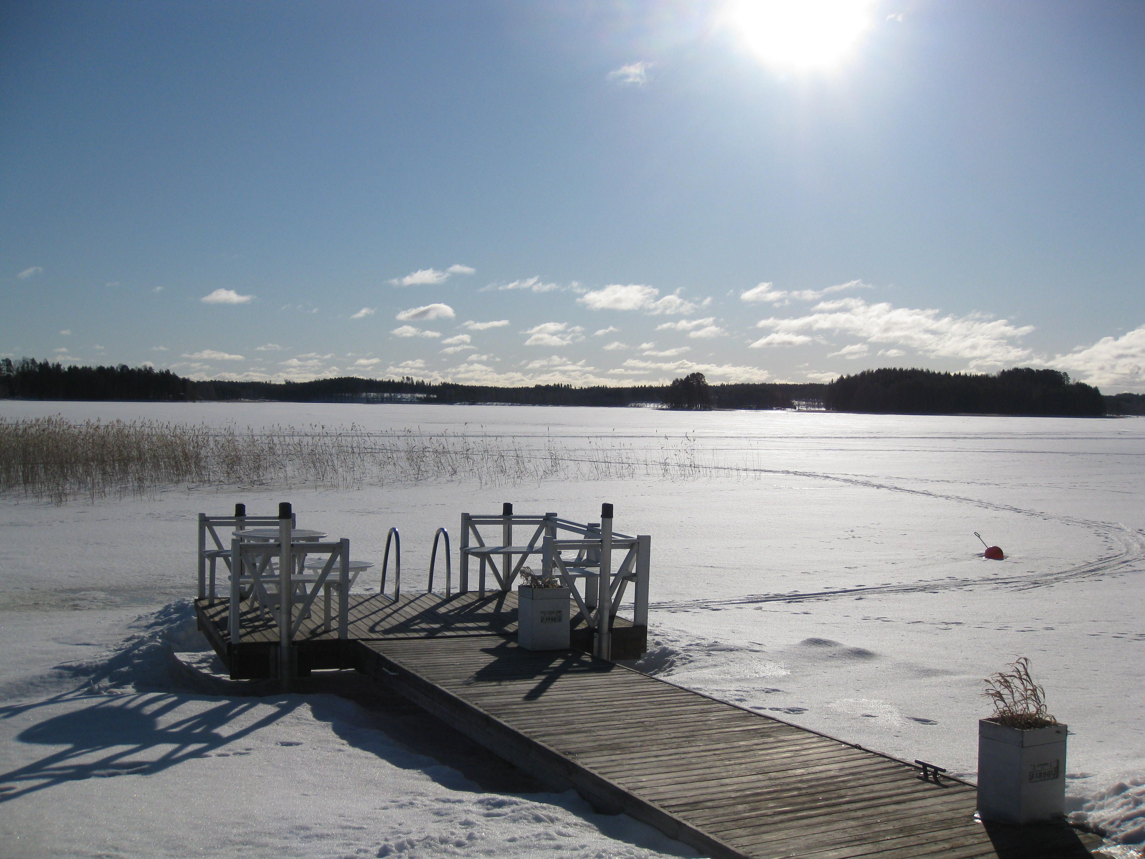 Nytkö pilkille? kevät Punkaharju Puruvesi Sorvaslahti  #Punkaharju #Puruvesi #Sorvaslahti #Suomi #Finland #talo #myytävänä #houseforsale #talomyytävänä #talvi #winter #piha #garden #järvi #lake