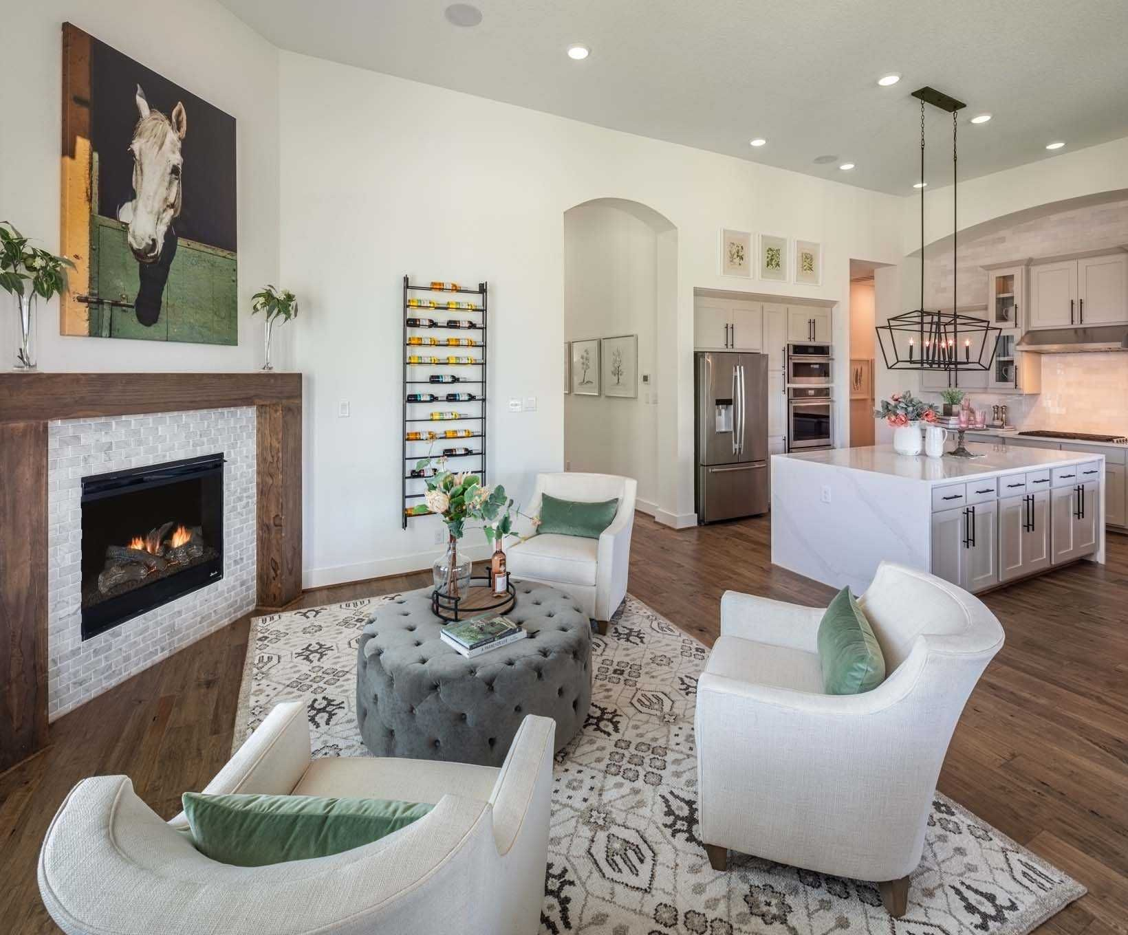 Sitting Area in Highland Homes 216 Plan at 17906 Cantera