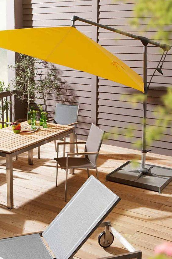 Gelber Sonnenschirm Fur Die Terrasse Oder Deinen Garten