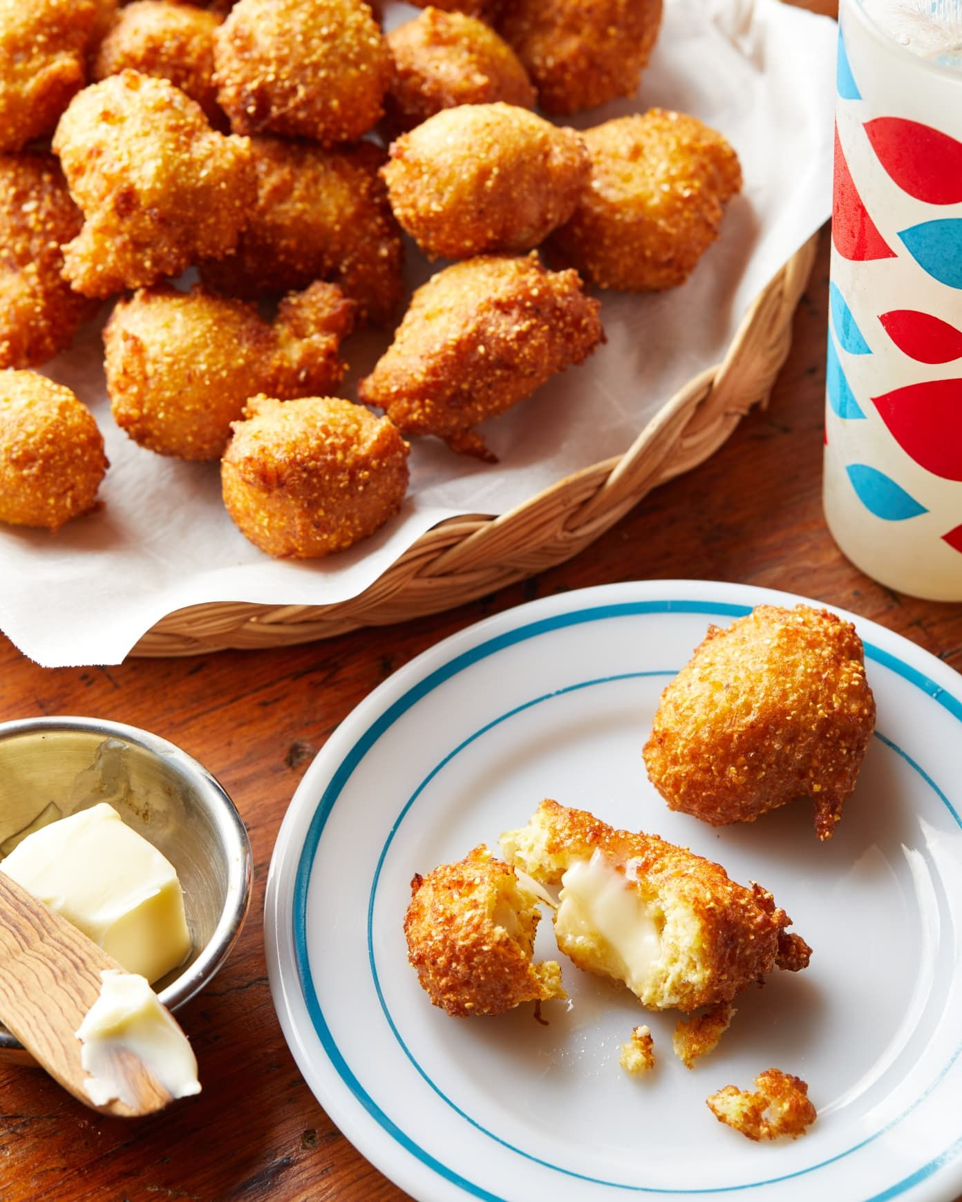 Here S How To Make The Absolute Best Southern Hush Puppies Recipe Hush Puppies Recipe Crab Cakes Food