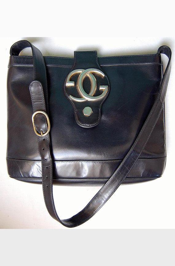 3c81a7099a Sac GUCCI cuir bleu nuit besace logo GG en métal, chic, vintage 70.  Esperando a recibilo :)