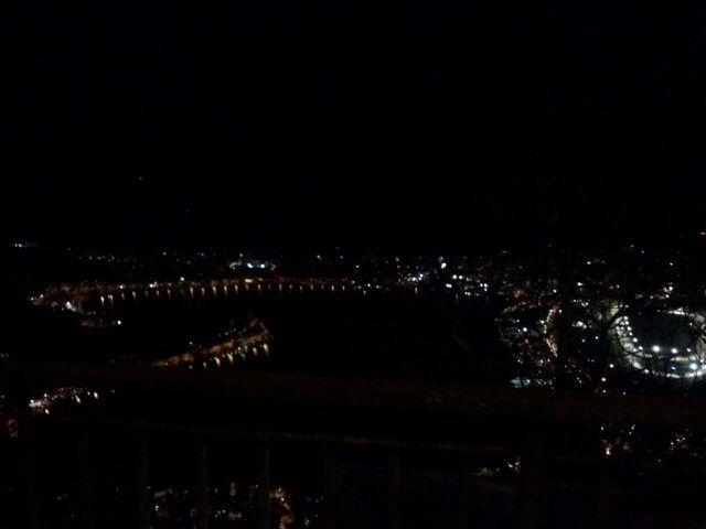 Vista de noche de Rio de Janeiro desde el Cristo del Corcovado