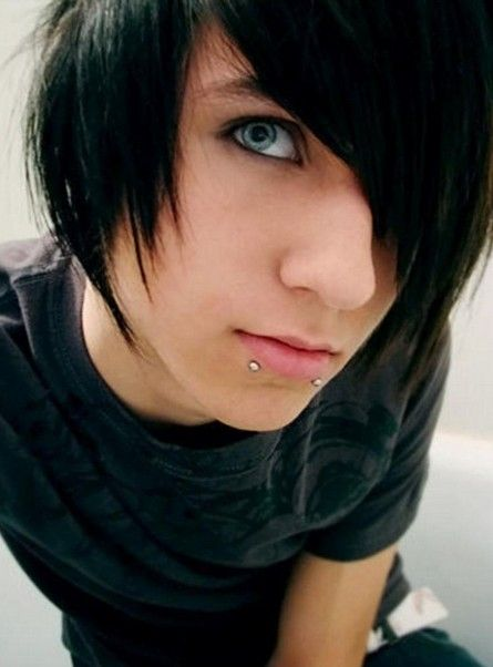 Emo Hairstyles For Trendy Guys Emo Guys Haircuts Cute Emo Guys Emo Haircuts Hot Emo Boys
