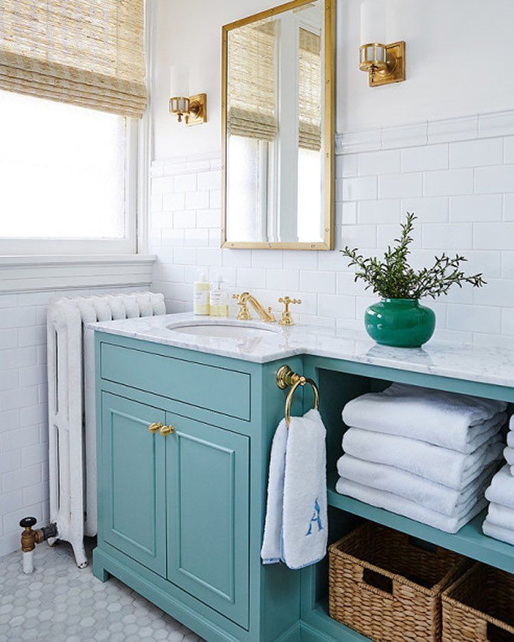 10 Small House Interior Design Solutions: Tight Bathroom Solution By @amiecorleyinteriors