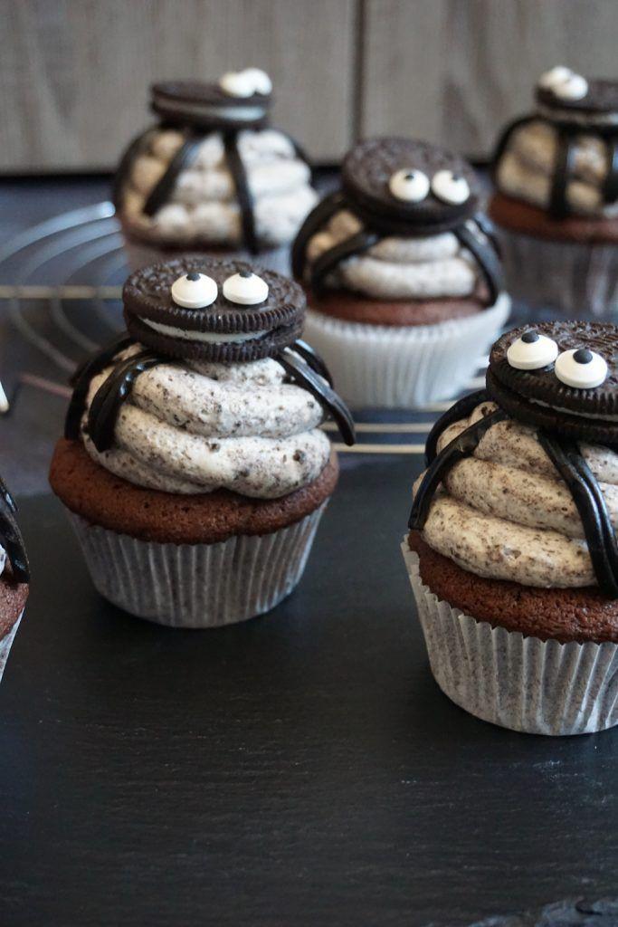 Spinnen-Oreo-Cupcakes - passend zu Halloween #halloweencupcakes