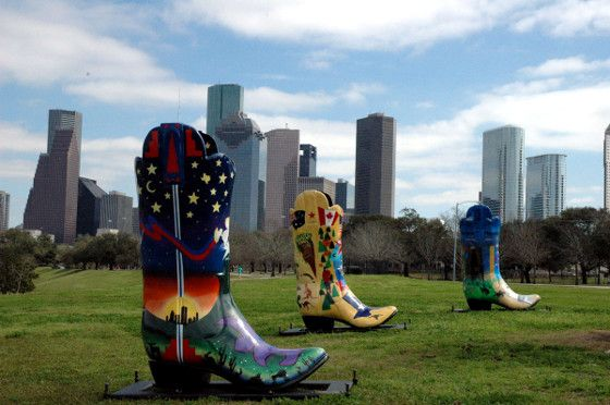 Giant cowboy boots -- Houston, Texas. (Photo: Chris Doelle ...