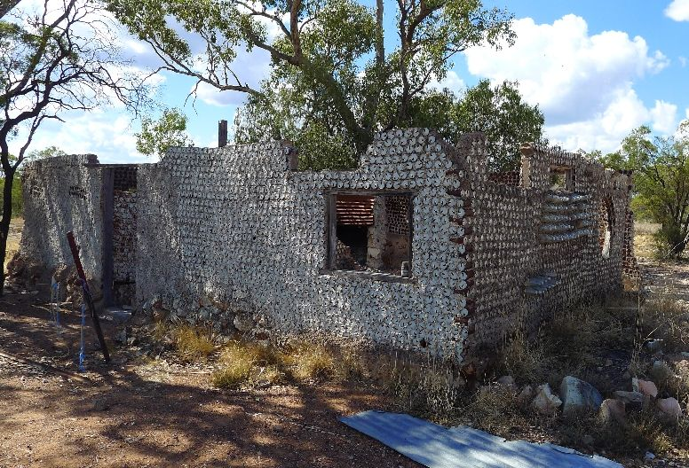 Pleasant House Made From Tin Cans Only At Lightning Ridge Opal Interior Design Ideas Philsoteloinfo