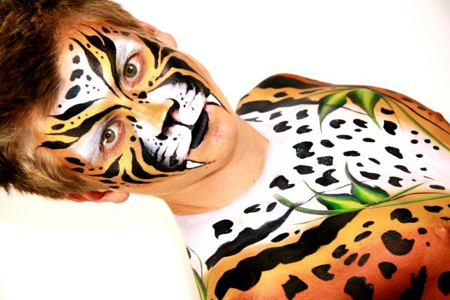 Brisbane Face Painting. Exclusive Face Painters to Dreamworld