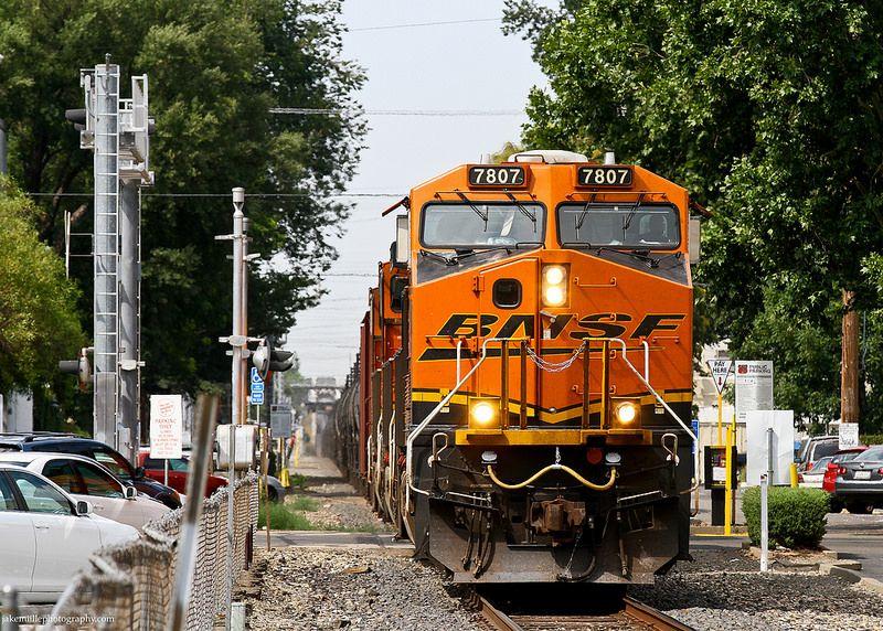 BNSF Crude Oil Train in Downtown Sacramento in 2019