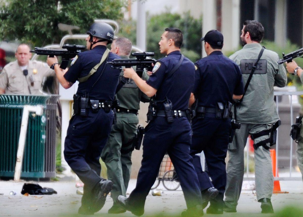 Woman Put Herself Between Gunman Victim Santa Monica College Santa Monica Los Angeles Police Department