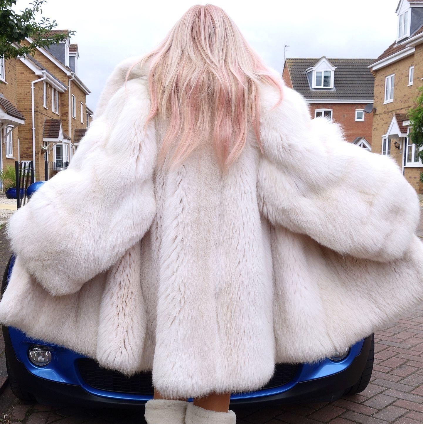 Unisex Real White Saga Fox Fur Coat Jacket Size Xxl Extra Wide Sleeves Fab Fur Coat Fox Fur Coat Fox Fur [ 1444 x 1441 Pixel ]