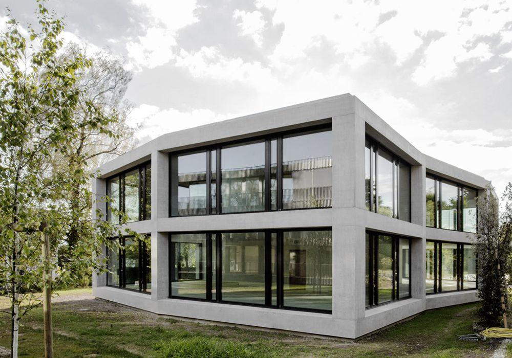 Plissierter Beton - Bürobau bei Lausanne | Lausanne and Facades