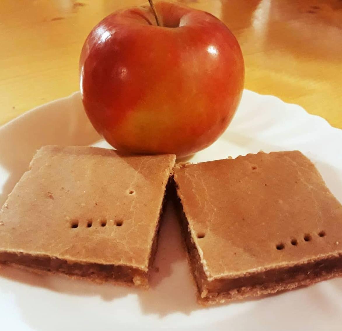 Vegán kalória-csökkentett linzeres tésztájú almás pite..